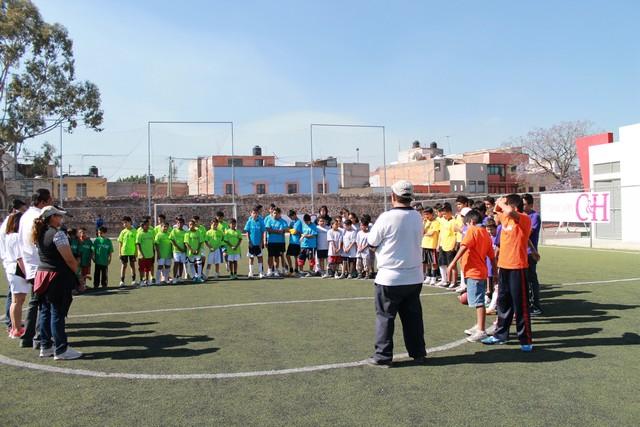 Mantiene Fundación C&H Empresarial contacto con la sociedad y con los niños de Querétaro.