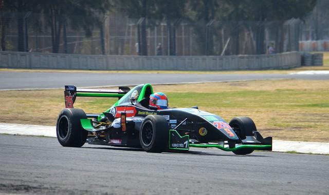 Buen debut de Daniel Duval en el LATAM F2000