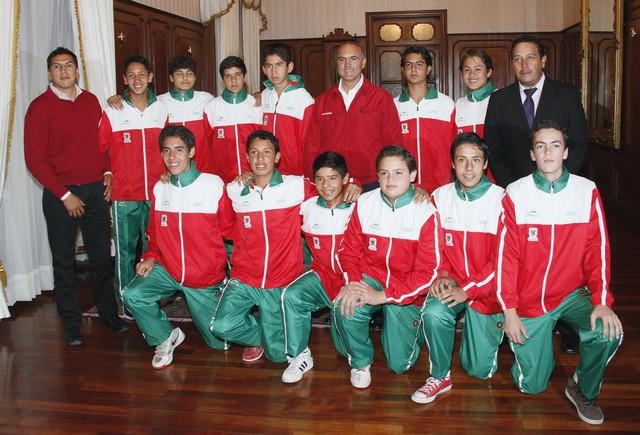 Recibe el Gobernador del Estado al Equipo Representativo de Basquetbol del Estado de Querétaro