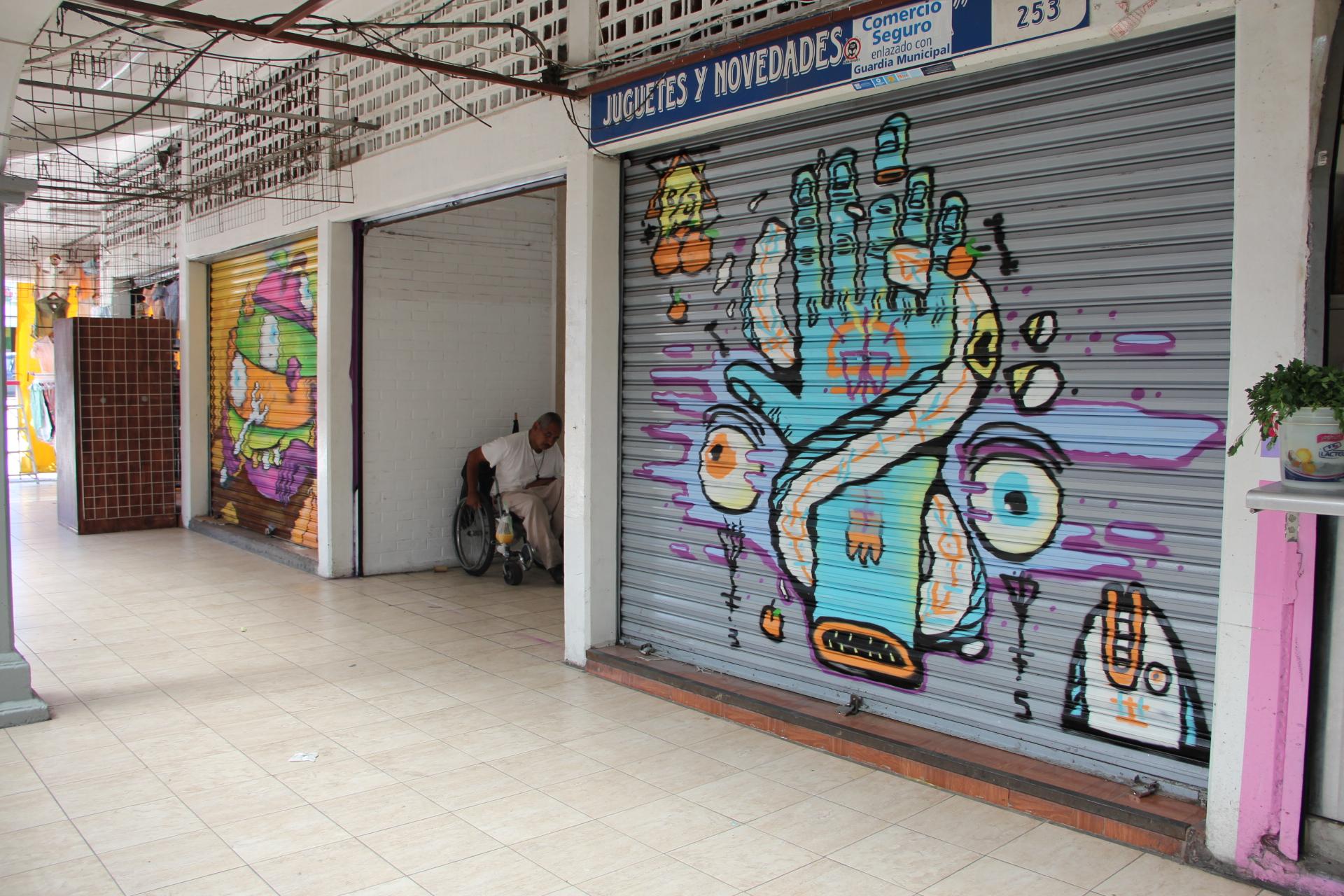 Galería Libertad y Board Dripper  inician intervención artística en el Mercado de La Cruz