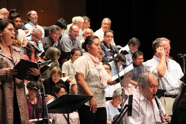 Ofrecerá OFEQ concierto a beneficio de músicos damnificados de la Orquesta Filarmónica de Acapulco