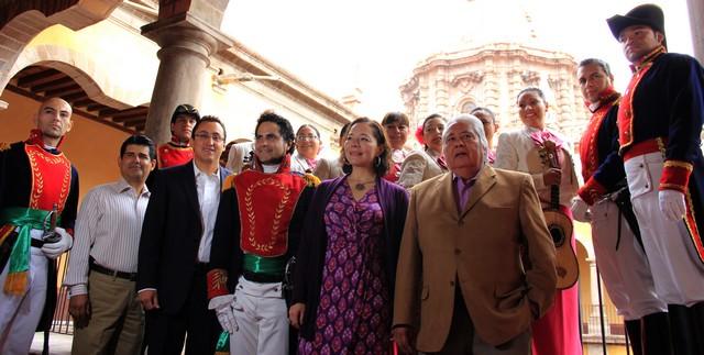 Presentan el programa de actividades con motivo de los Festejos Patrios 2013