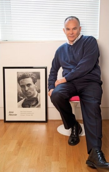 Peter Windsor with Jim Clark portrait