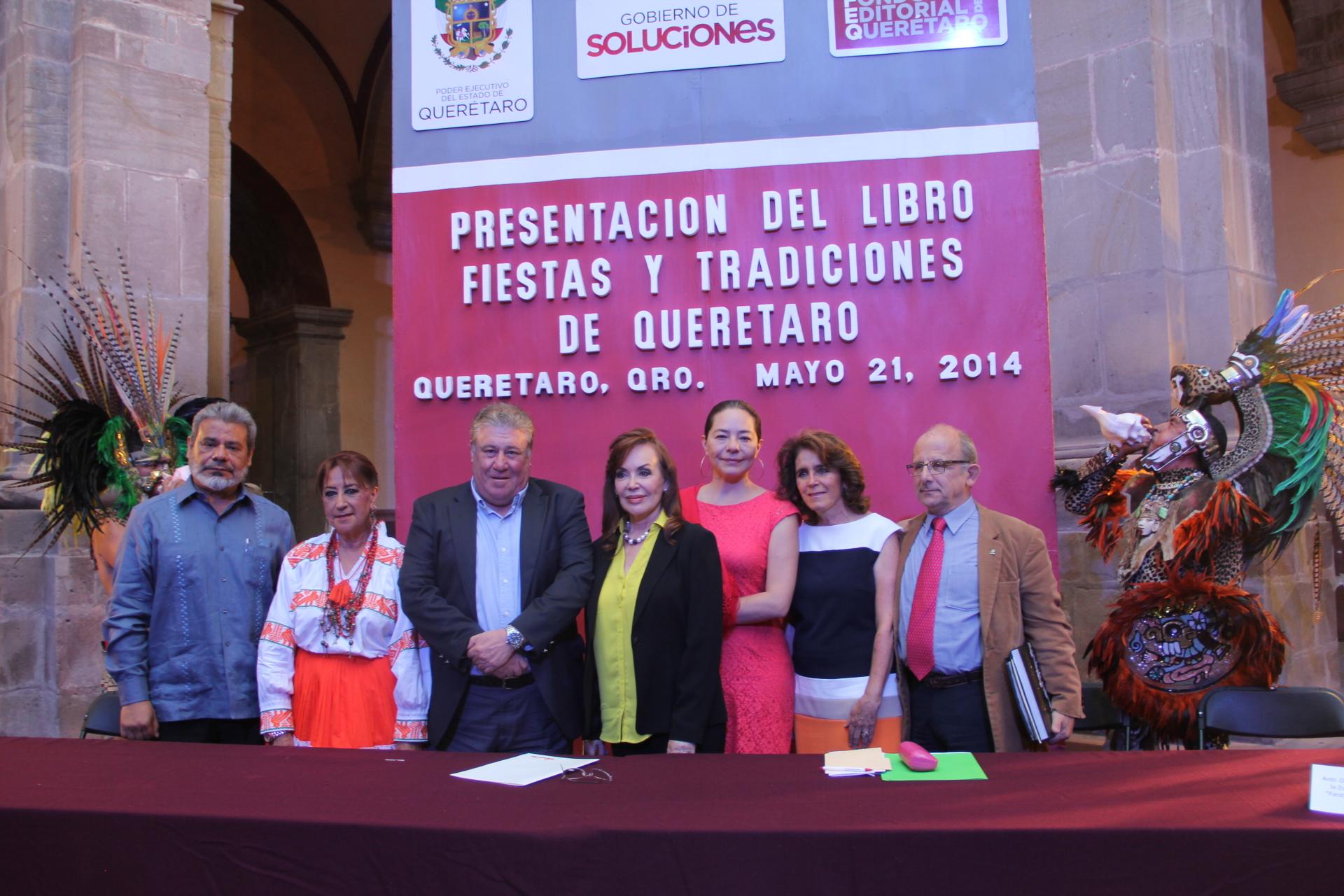 Presentan el libro Fiestas y Tradiciones de Querétaro