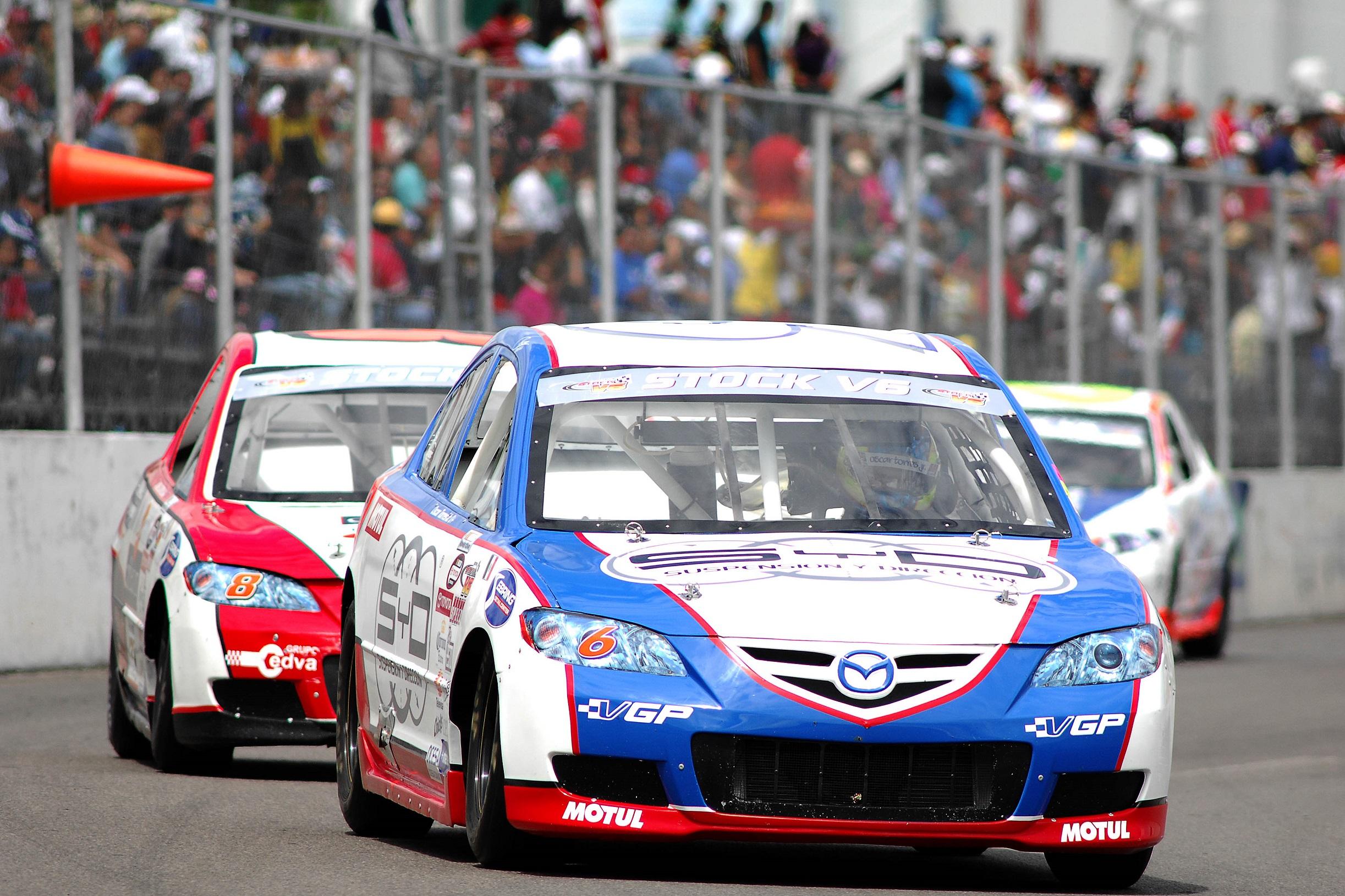 Una docena de pilotos V6 para Querétaro