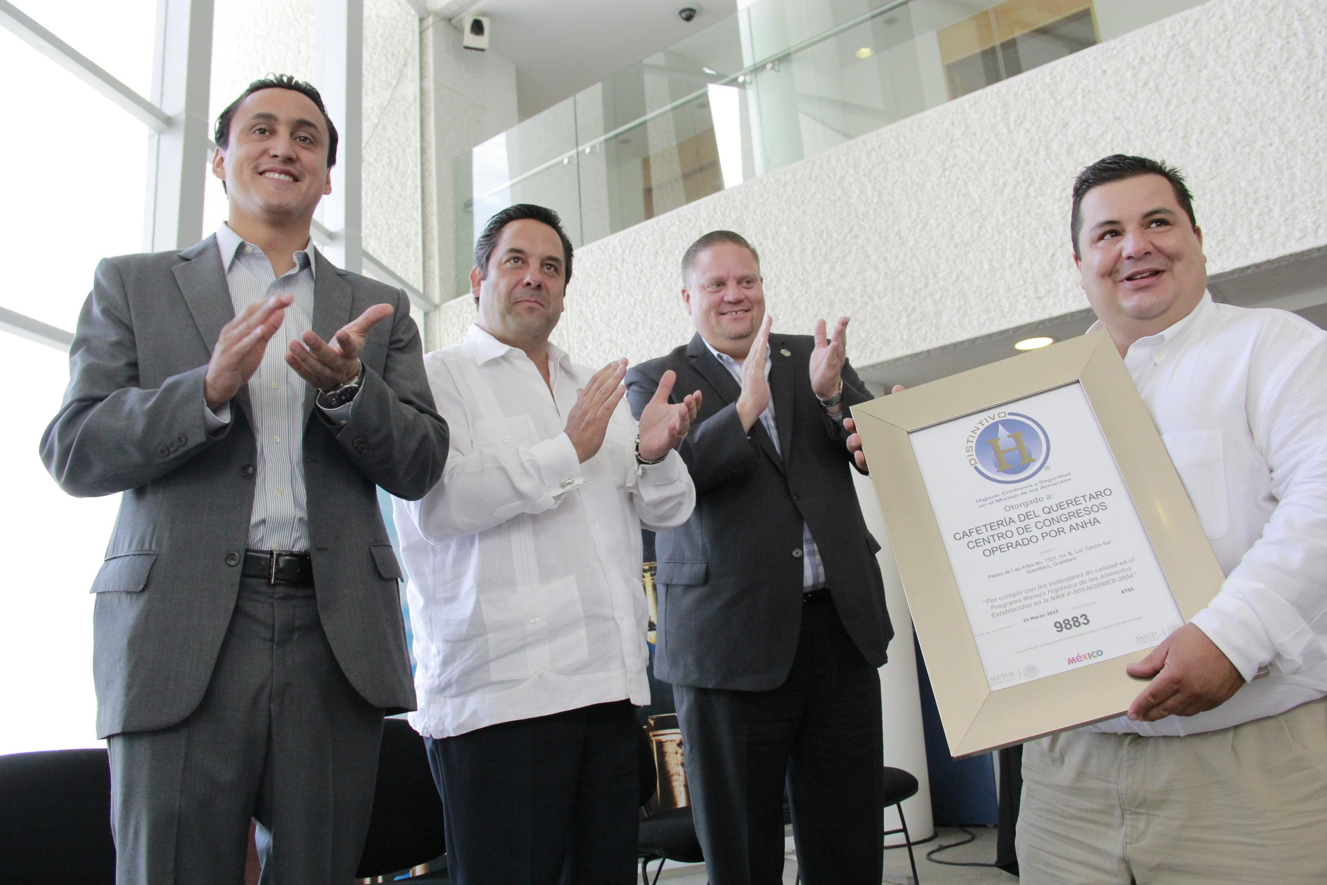 Entregan Distintivo H a la cafetería del Querétaro Centro de Congresos