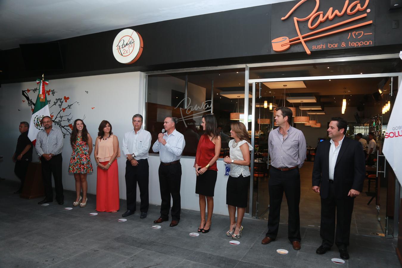 Inaugura el Gobernador del Estado el Restaurante Pawa
