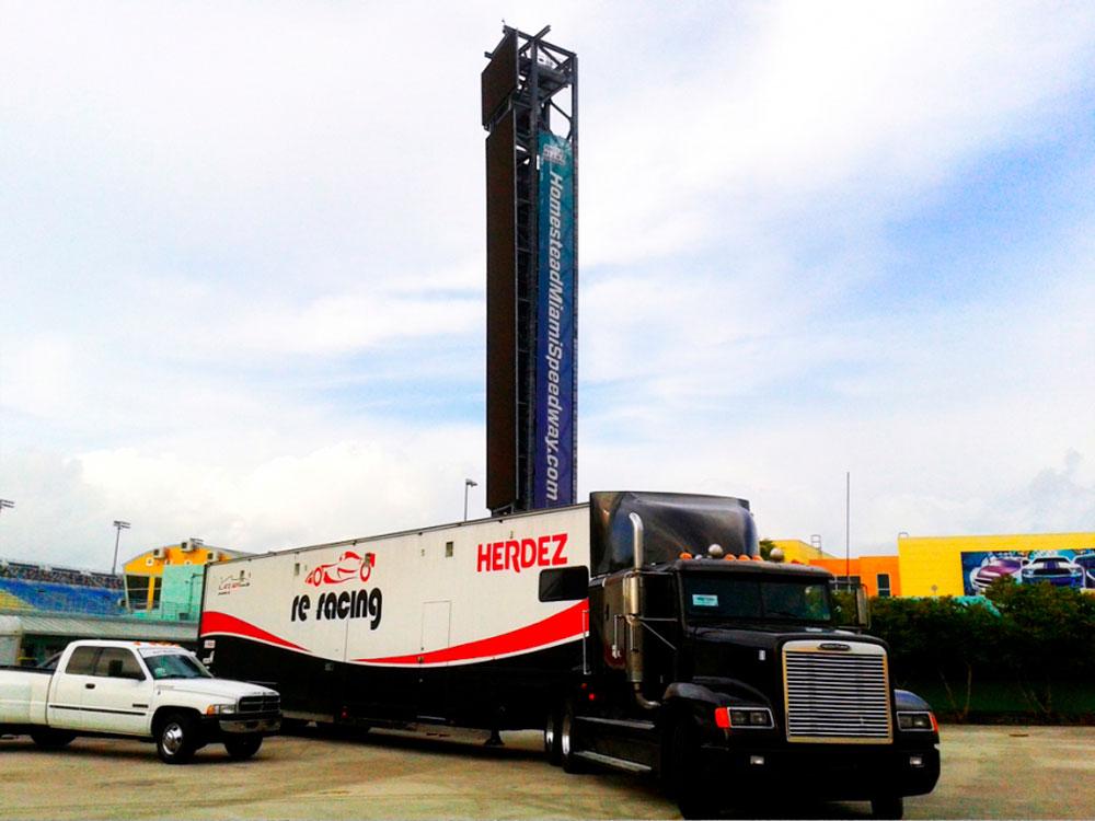 LATAM F2000 se instala en el Homestead Miami Speedway