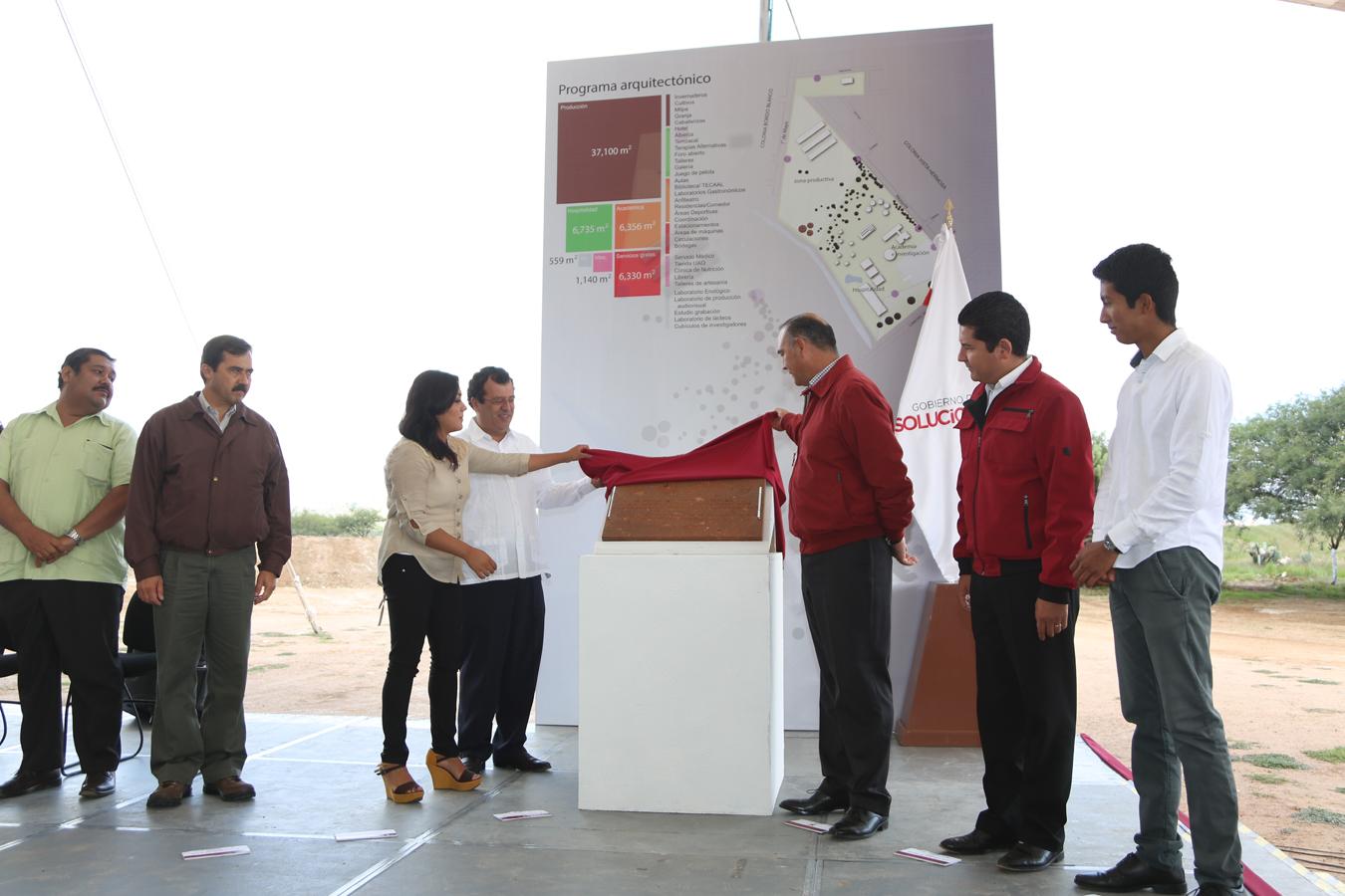 Encabeza el Gobernador del Estado la Colocación de la Primera Piedra del Complejo Turístico Universitario Nt'oti