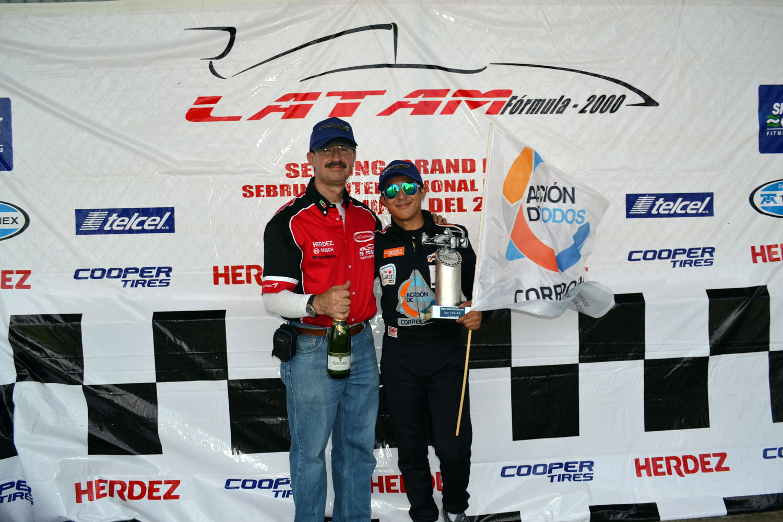 Sergio Muñoz, motivado por correr en Texas