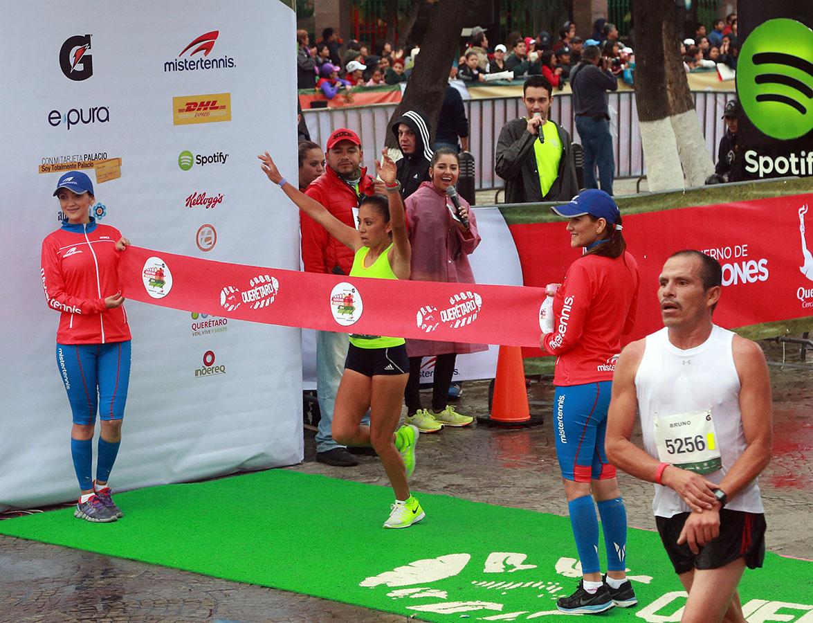 Participa el Gobernador del Estado en el Querétaro Maratón 2014