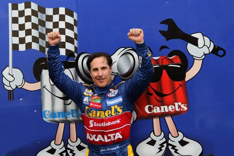 Mario Domínguez consigue Titulo de Novato del Año en NASCAR