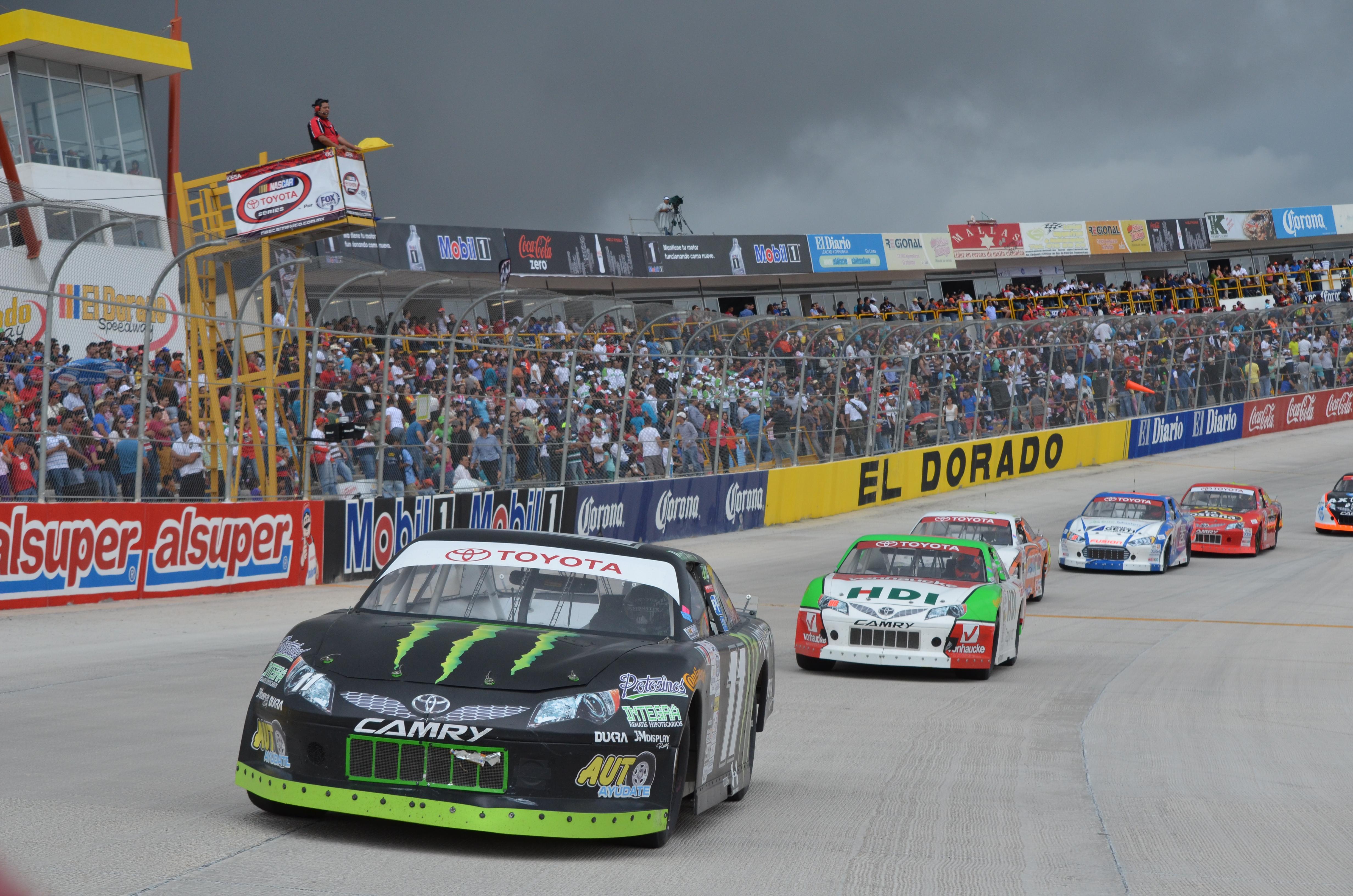 NASCAR México: un campeonato de experiencia y juventud