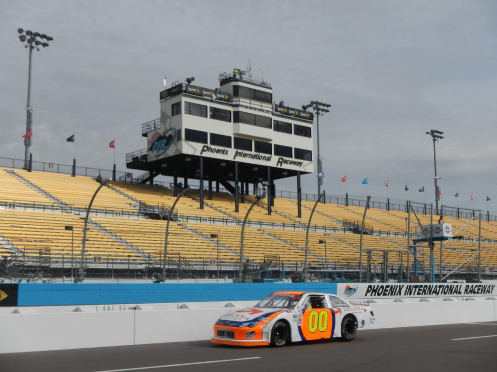 Rodrigo Marban listo para NASCAR Mexico 2015 en Phoenix