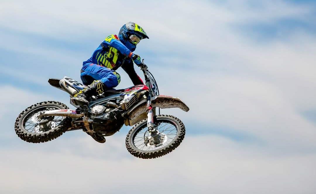Eduardo Andrade vuelve a arrasar en el Motocross