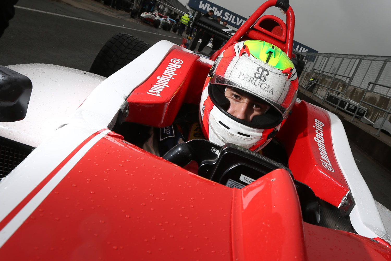 Rodrigo Fonseca se ubica quinto en prácticas libres de Silverstone