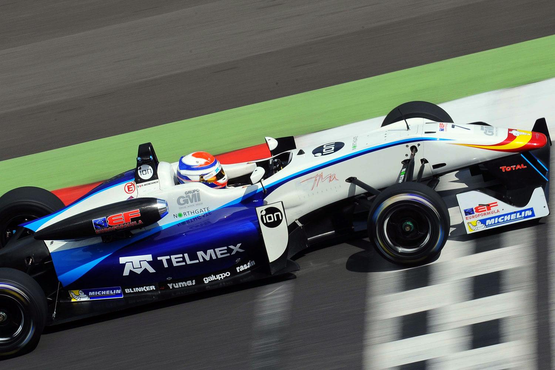 Diego Menchaca finaliza 8° y con podio de novatos en Silverstone