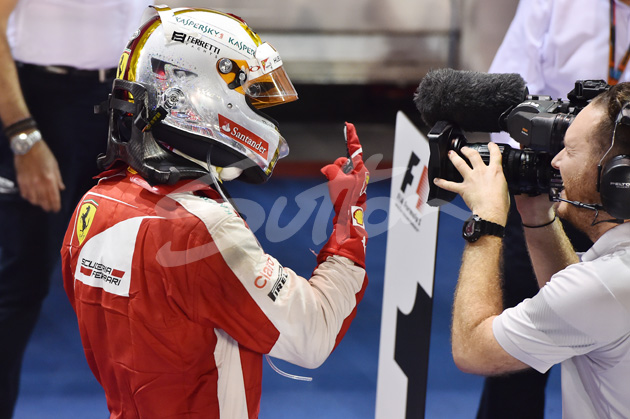 Mark Sutton – Life Through The Lens – Singapore and Japanese Grand Prix – The finger returns