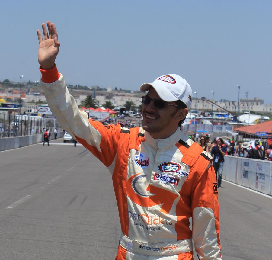 Rodrigo Marbán refrenda el título de piloto más popular de NASCAR México en 2015