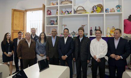 Inaugura el Gobernador del Estado la oficina Punto México Querétaro